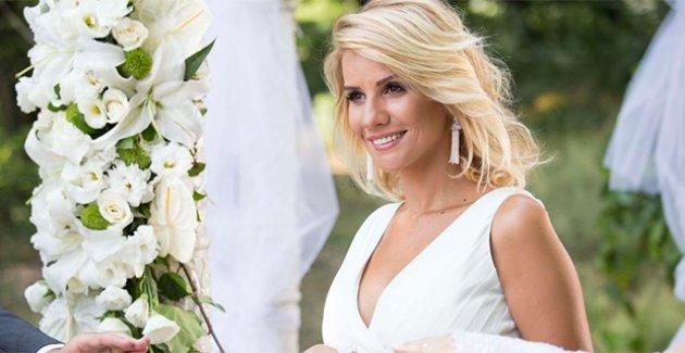 Photo of ATV'ye transfer olan Esra Erol'a rekor ücret