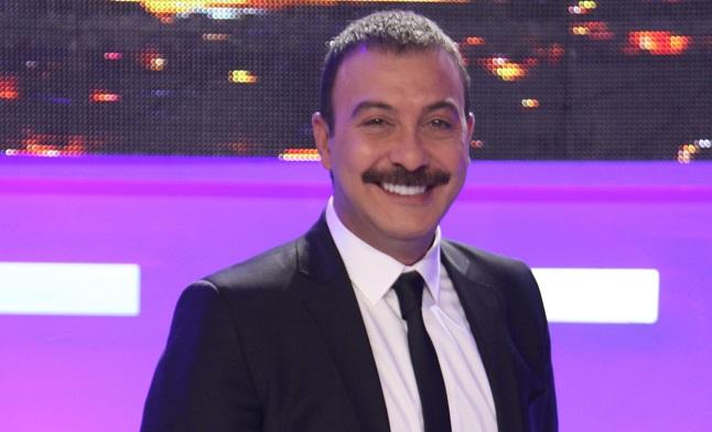 Photo of Usta komedyen Hakan Yılmaz tiyatro sahnesinde