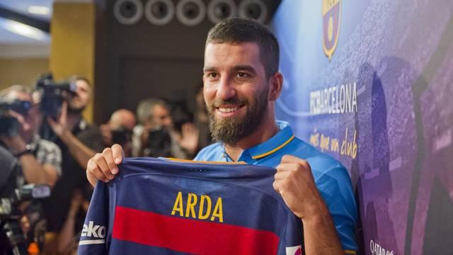 Photo of Arda Turan Barcelona'da kaç numaralı formayı giyecek?