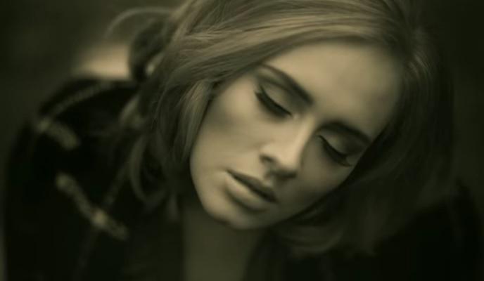 """Photo of İşte Adele'in """"Gangnam Style""""ın rekorunu kıran o şarkısı"""