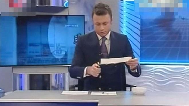 Photo of Flash TV spikeri canlı yayında fatura yaktı-izle