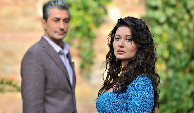 Photo of Nurgül Yeşilçay'ın Paramparça dizisinden ayrılmasının gerçek sebebi