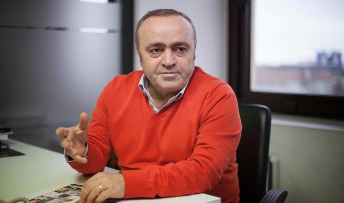 Photo of Ali Eyüboğlu Twitter'da yapımcılardan para karşılığında paylaşımda bulunan gazetecileri yazdı