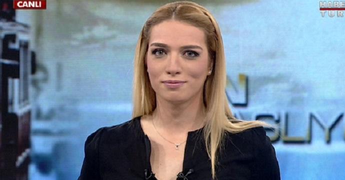 """Photo of Cansu Canan Özgen'in canlı yayında zor anları…""""Kulağıma kadar kızardım"""""""
