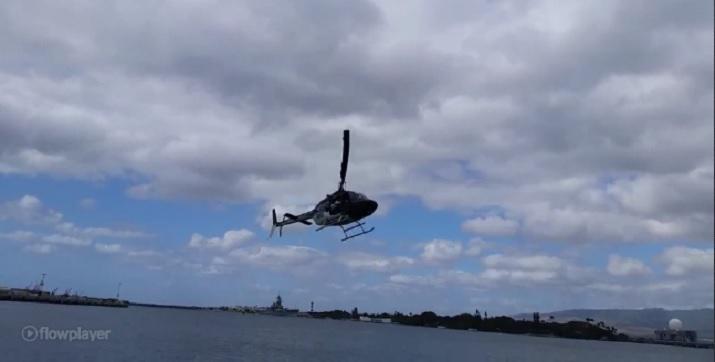 Photo of Turist gezdiren helikopterin denize düşmesi saniye saniye görüntülendi-izle