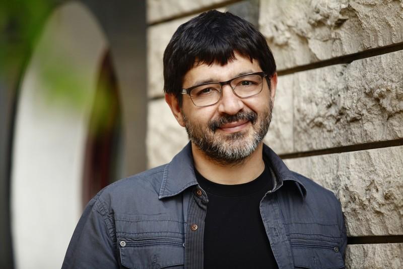 Photo of Karagül dizisinin usta kalemi Erkan Birgören artık Göç Zamanı dizisini yazacak…