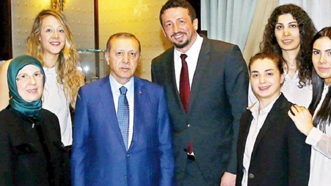Photo of İşte Hidayet Türkoğlu'nun yeni görevinde alacağı ücret