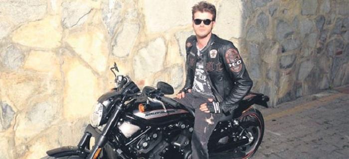 Photo of Kıvanç Tatlıtuğ şampiyon motosikletçi Kenan Sofuoğlu'nun hayatını film yapıyor