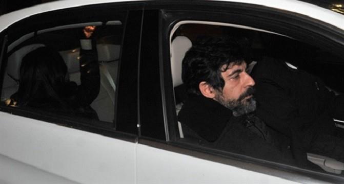 Photo of Okan Bayülgen'den magazincilere ağır küfür
