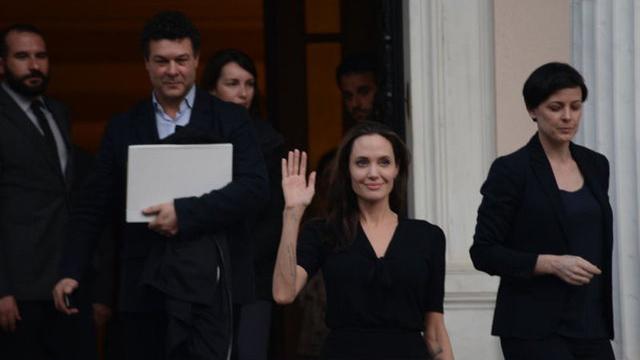 """Photo of Angelina Jolie hakkında tüyler ürperten iddia: """"Ölüyor"""""""