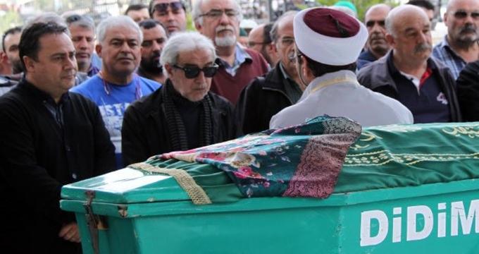 Photo of Edip Akbayram'ın acısı tarifsiz