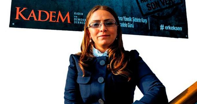 Photo of KADEM başkanı şiddet haberlerini eleştirdi