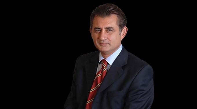 Photo of Ümit Zileli İzmir'de gözaltına alındı
