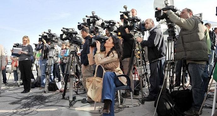 Photo of Söküğünü dikemeyen gazeteciler için rehber kitap