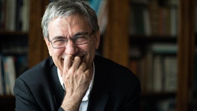 "Photo of Saadet Oruç, Orhan Pamuk'a yüklendi:"" Nobel saati mi geldi?"""
