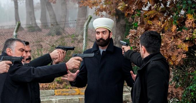 Photo of Kertenkele dizisinde beklenmeyen ayrılık, Timur Acar kimdir?