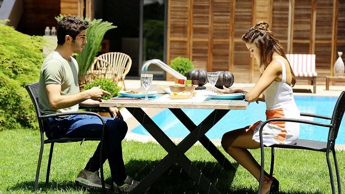 Photo of Aşk Laftan Anlamaz'ın yeni bölümünde Hayat, Murat'ın gönlünü alabilecek mi?