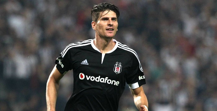 Photo of Mario Gomez Wolfsburg'a transfer oldu