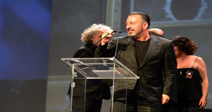 Photo of Cem Yılmaz'ın oynadığı İftarlık Gazoz'a Adana'dan ödül