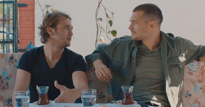 Photo of Çağatay Ulusoy ve Aras Bulut İynemli İçerde dizisi için birbirleriyle röportaj yaptı