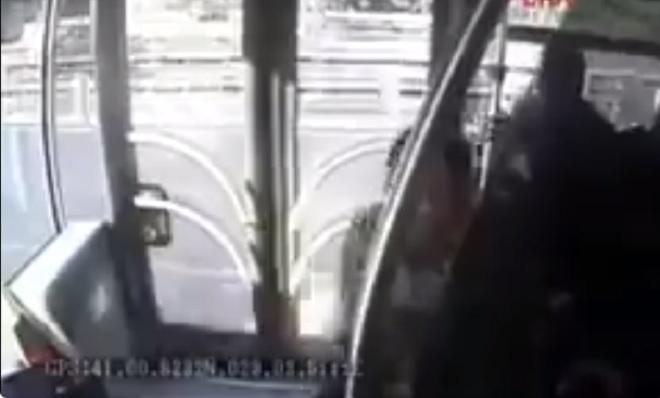 Photo of Metrobüs kazasının otobüsün içindeki kameradan yeni görüntüleri ortaya çıktı
