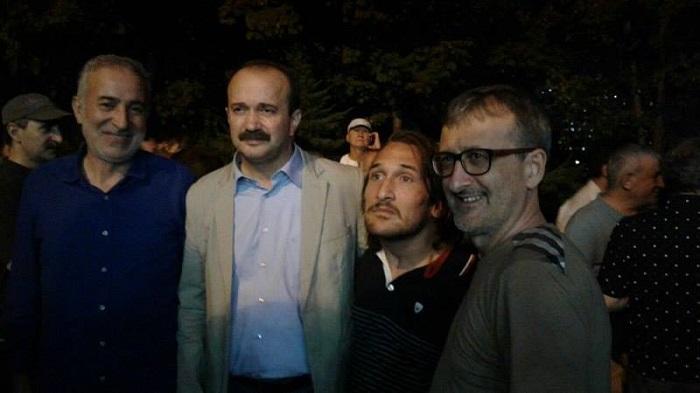 Photo of Gözaltına alınan Yeniçağ gazetesi yazarları Yavuz Selim Demirağ ve Servet Avcı serbest bırakıldı