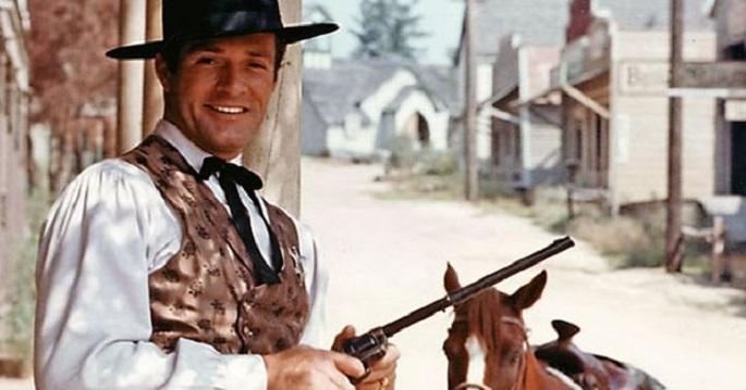 Photo of Wyatt Earp dizisinin yıldız oyuncusu  Hugh O'Brian hayatını kaybetti