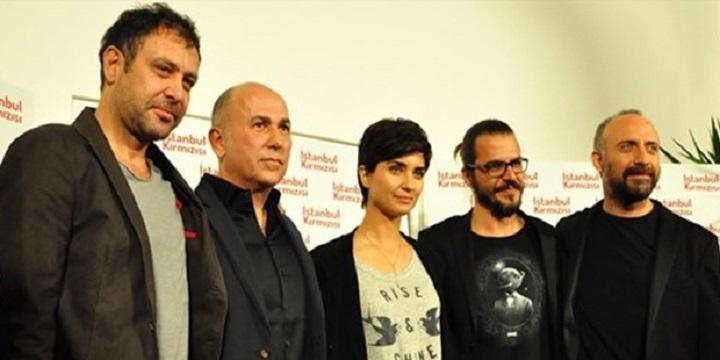 Photo of Ferzan Özpetek'in yeni filmi İstanbul Kırmızısı'nın vizyon tarihi ne zaman?