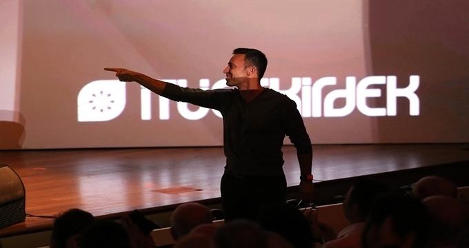 Photo of Mustafa Sandal İTÜ'de yatırım meleği oldu