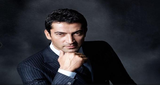 Photo of Kenan İmirzalıoğlu Anthony Quinn'in oynadığı Hamza rolünde…