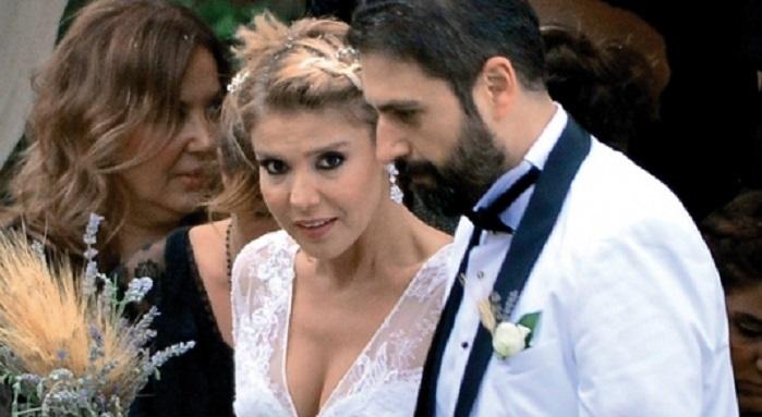 Photo of Magazin dünyası Gülben Ergen ve Erhan Çelik'in boşanma haberini konuşuyor