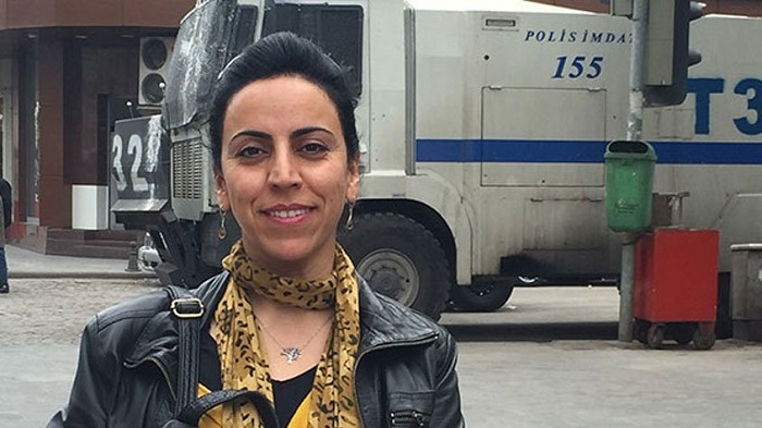 """Photo of """"BBC"""" ve """"Amerika'nın Sesi"""" için muhabirlik yapan Hatice Kamer serbest bırakıldı"""