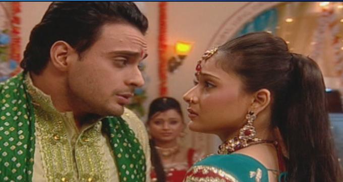 Photo of Deli Divane'de Alexh ne yapacağını bilemiyor? Sadhana ise çıkmazda…
