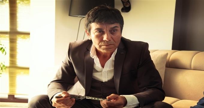 Photo of Oldu mu Şimdi? Orhan Aydın, Al Pacino'ya öykündü