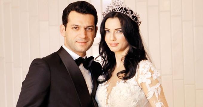 Photo of Fas damadı olan ünlü oyuncu Murat Yıldırım şaşalı bir düğünle evlendi