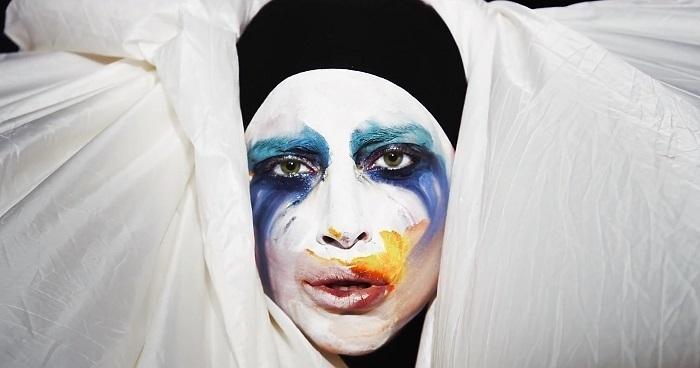 Photo of Lady Gaga tecavüz kurbanı