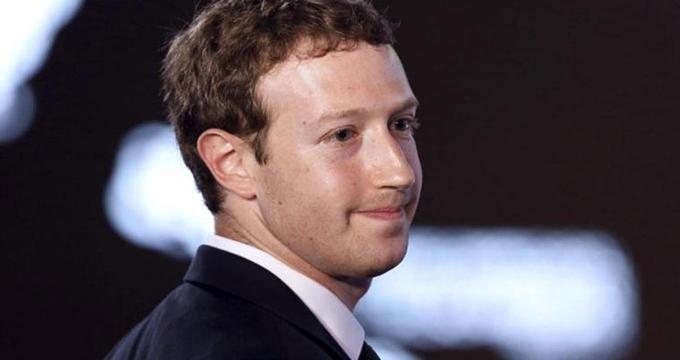Photo of Ateist olduğunu açıklayan Mark Zuckerberg yeniden dine merak saldı…Zuckerberg'in yeni dini ne?