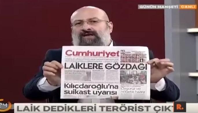 Photo of Hikmet Genç Cumhuriyet'i canlı yayında yırtıp attı