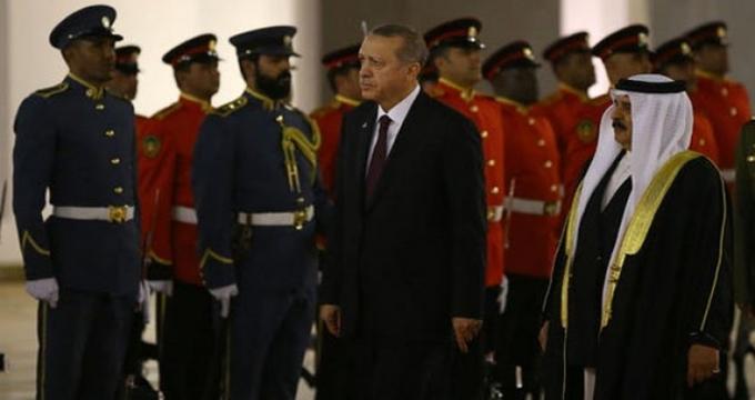 Photo of Bahreyn'de Cumhurbaşkanı Erdoğan'a Diriliş Ertuğrul jesti