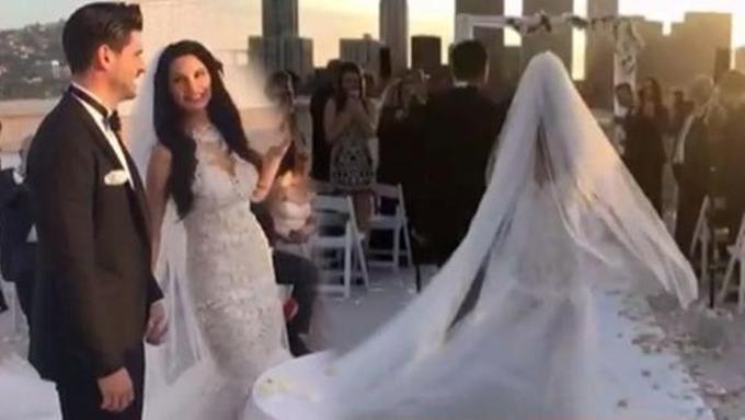 Photo of Tolgahan Sayışman da evliler kervanına katıldı, işte düğünden ilk kareler…
