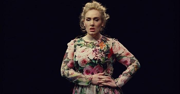 Photo of Ünlü İngiliz şarkıcı Adele sinemaya göz kırptı… Adele hangi filmde oynayacak?