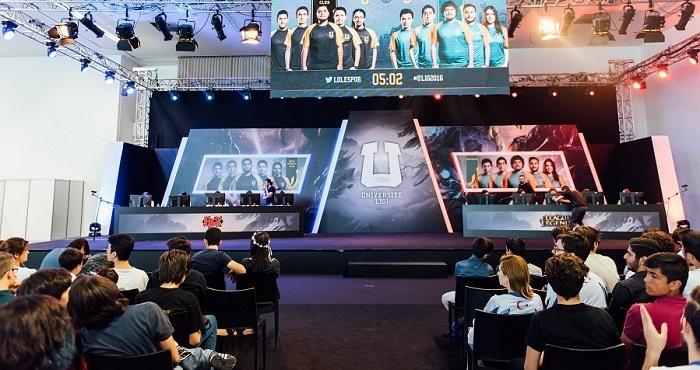 Photo of League of Legends 2017 Üniversite Ligi'ne rekor katılım