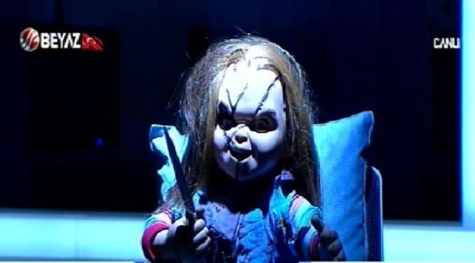 Photo of Chucky yıllar sonra Beyaz Futbol'un stüdyosunda ortaya çıktı!