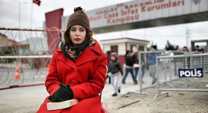 """Photo of Yeni Akit Yazarı Pelin Batu'ya yüklendi:""""Ağlak Pelin…!"""""""