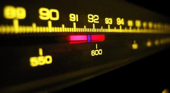 Photo of Sadettin Saran'a ait radyo kanalı ile ilgili yanlış kovulma haberi Sina Koloğlu'ndan döndü!