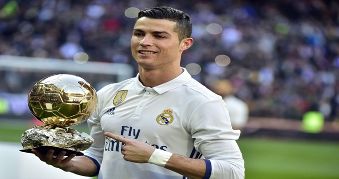 Photo of Ünlü futbolcu Ronaldo tecavüz ettiği kadına rüşvet mi verdi?