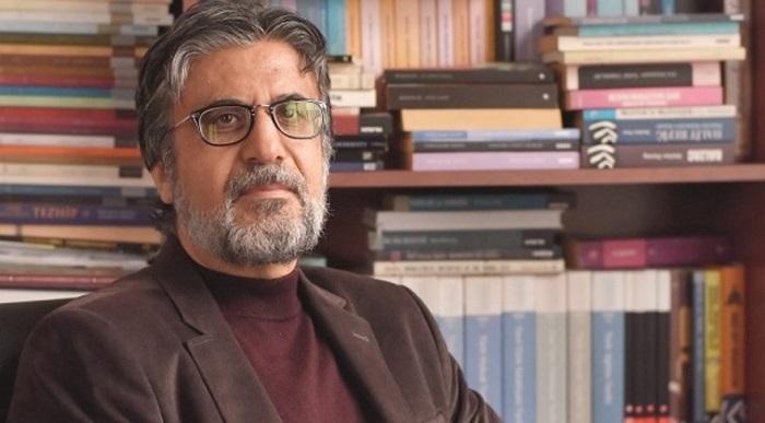 Photo of Soner Yalçın, vefat eden Akif Emre için neler yazdı?