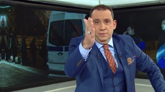 """Photo of """"Menemen yiyemiyorsan portakal ye!"""" diyen Erkan Tan'a tepkiler dinmiyor"""