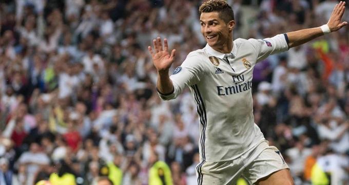 Photo of UEFA Şampiyonlar Ligi yarı finalinde Ronaldo hat-trick şov!