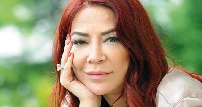 Photo of Hürriyet Gazetesi yazarı Ayşe Aral'ın vefatının ardından ünlüler neler yazdı?